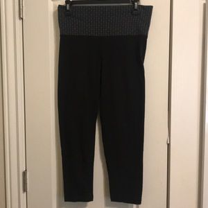 Women's VS leggings, size medium